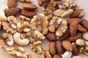 ロカボナッツのダイエット効果が気になる!美容にも効果的があるって本当?